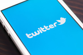 """""""تويتر"""" يعترف بضرورة حماية اللاعبين من العنصرية على مواقع التواصل الاجتماعي"""