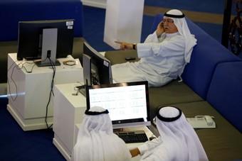 تراجع معظم البورصات الخليجية بضغط من خسائر أسهم الشركات المالية