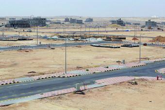 """الأراضي البيضاء : صرف 2.8 مليون ريال لإيصال خدمات البنية التحتية لمشروع """"الكامل"""" في مكة"""