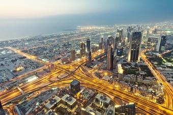 """""""المتقدمة لإدارة المنشآت"""" الإماراتية تسعى لإعادة جدولة ديون قيمتها 545 مليون دولار"""