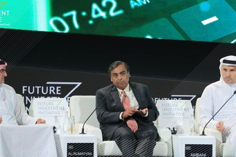 """رئيس """"ريلاينس إندستريز"""" : الاستثمار في التقنية والذكاء الاصطناعي سيسهم في التنمية"""