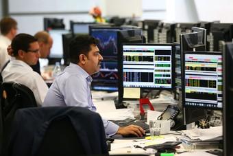 تجدد توترات التجارة تهبط بأسهم أوروبا