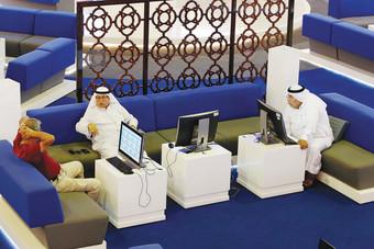 تراجع معظم البورصات الخليجية بضغط من أسهم الشركات المالية