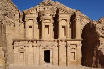 4.9 مليارات دولار عائدات الدخل السياحي في الأردن نهاية أكتوبر