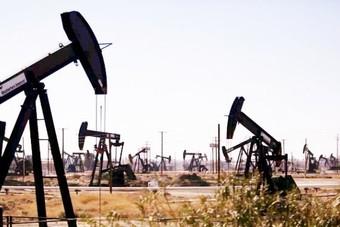 تراجع عدد منصات استخراج النفط العاملة في أمريكا