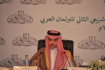 وزير الخارجية يؤكد حرص واهتمام المملكة على وحدة وسيادة وسلامة الأراضي العربية