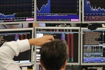 الأسهم الأوروبية تتراجع مع ترقب السوق بعد أسبوعا حافلا بالبيانات