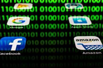 لندن ستبقي على ضريبة الخدمات الرقمية رغم تحذيرات أمريكا