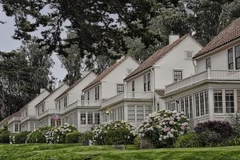 مبيعات المنازل الأمريكية تقفز لأعلى مستوى في نحو عامين