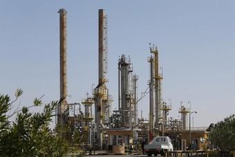 تراجع الإنتاج 75% عقب إغلاق الموانئ النفطية شرق ليبيا