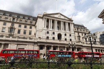بنك إنجلترا يبقي على أسعار الفائدة عند 0.75%