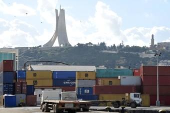 زيادة العجز التجاري في الجزائر بسبب هبوط إيرادات الطاقة في 2019