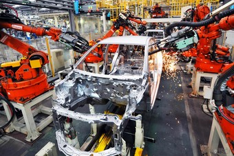 أودي وبي إم دبليو تعاودان حركة الإنتاج الطبيعية في الصين