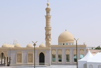 الإمارات تعليق الصلاة في المساجد ودور العبادة للوقاية من كورونا