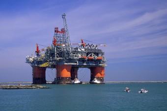 """المكسيك مستعدة لبيع البنزين إلى فنزويلا لأسباب """"انسانية"""""""