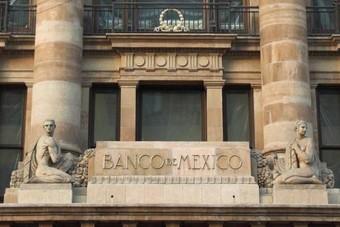 بلومبرج: البنك المركزي للمكسيك في وضع لا يحسد عليه