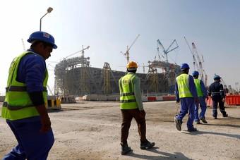 قطر تعلن أول وفاة بكورونا المستجد من العاملين في مشاريع كأس العالم