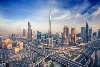 ولي عهد دبي يعلن حزمة تحفيزية جديدة بقيمة 1.5 مليار درهم