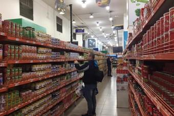 توقعات بارتفاع أسعار اللحوم المعلبة في الفلبين بعد حظر الدواجن  البرازيلية