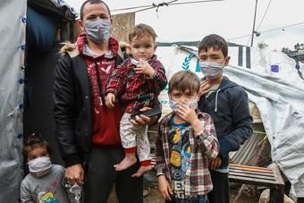 كورونا يجمد أوضاع اللاجئين في العالم