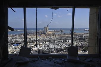 قدرة لبنان المالية محدودة لمواجهة آثار انفجار بيروت.. الأضرار بمليارات الدولارات