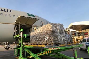 مركز الملك سلمان للإغاثة يسير أولى طلائع الجسر الجوي السعودي لمساعدة لبنان