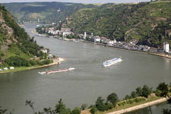 تسرب مادة ضارة من أكبر الشركات الألمانية للصناعات الكيميائية إلى نهر الراين