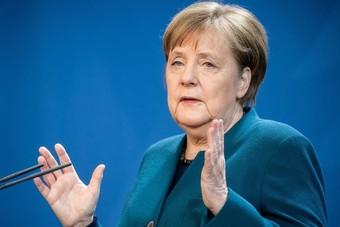 ميركل تتحفظ على مقترح منح الحكومة الألمانية مزيدا من الصلاحيات في مكافحة كورونا