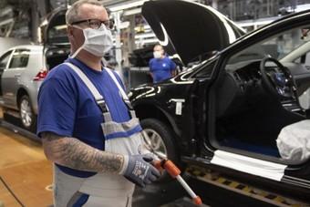 نقابة عمال المعادن في ألمانيا تحسن خطتها لإنقاذ قطاع مستلزمات السيارات