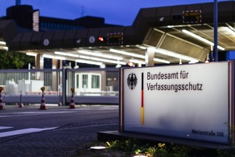 الحكومة الألمانية تخطط لمنح الاستخبارات إمكانية الوصول إلى تطبيقات المراسلة