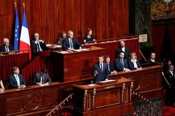 النواب الفرنسيون يصوتون على تمديد حال الطوارئ الصحية إلى 16 فبراير