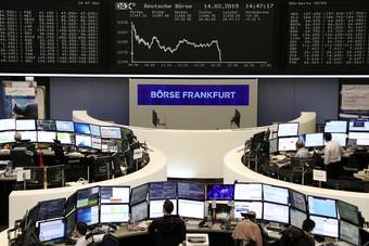 الأسهم الأوروبية تستقر قرب أعلى مستوياتها في 8 أشهر على الرغم من مخاوف الإغلاقات