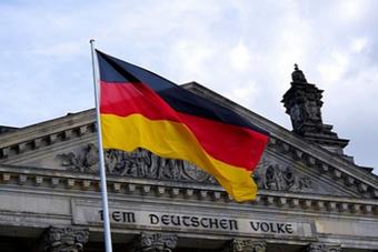 الحكومة الألمانية: موجة كورونا لم تنكسر بعد