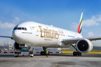 """""""طيران الإمارات"""" تسجل أول خسائر منذ 3 عقود.. بلغت 3.4 مليارات دولار"""