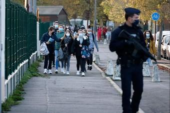كورونا يصيب واحدا من سكان باريس كل 30 ثانية