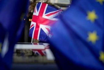 الحكومة البريطانية مستعدة للتخلي عن بنود في مشروع قانون حول بريكست أثار احتجاجات أوروبية