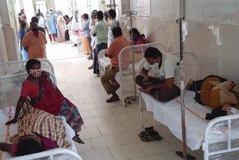 نقل المئات إلى مستشفيات بالهند بسبب مرض مجهول