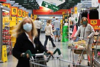 متاجر التجزئة في بريطانيا تمر بأسوأ عام منذ 1995