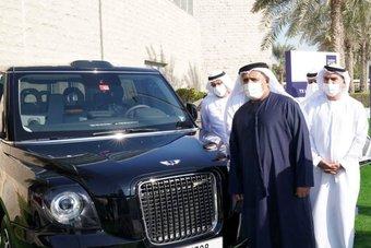 """دبي تطلق """"تاكسي لندن"""" في شوارعها تجريبيا الشهر المقبل"""