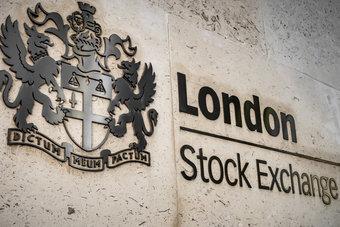 """بورصة لندن تستكمل صفقة قيمتها 27 مليار دولار لشراء """"رفينيتيف"""""""