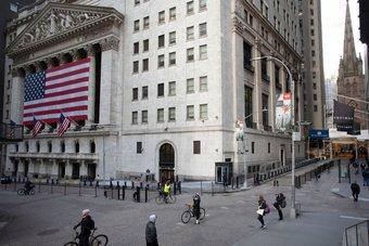 بورصة نيويورك تهدد بنقل مقرها في حال فرض ضرائب على الأسهم
