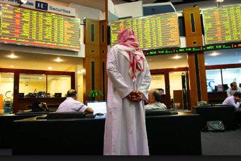 سوق دبي تتراجع وأبوظبي والسعودية تغلقان على مكاسب طفيفة