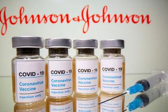 """لجنة من الخبراء توصي باستخدام لقاح """"جونسون آند جونسون"""" في أمريكا"""