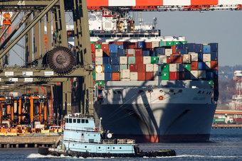 عجز التجارة الأمريكي يقفز 17.7% خلال 2020.. أعلى مستوى منذ 12 عاما
