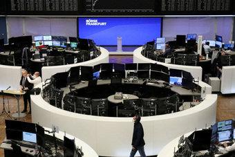 الأسهم الأوروبية تتراجع عن مكاسب قوية وتغلق منخفضة