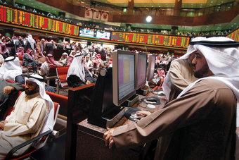 الأسهم الخليجية تصعد حاذية حذو الأسواق العالمية
