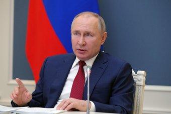 بعد تردد طويل...بوتين يعتزم تلقي تطعيم كورونا غدا الثلاثاء