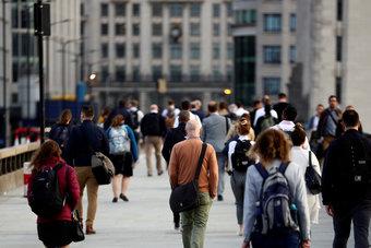 معدل البطالة في بريطانيا تراجع على غير المتوقع.. انخفض إلى 5%