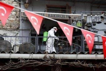 لأول مرة هذا العام.. الإصابات اليومية بكورونا في تركيا تتجاوز 30 ألفا