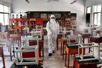 يونيسف : الجائحة أغلقت مدارس تضم 168 مليون طفل لمدة عام تقريبا